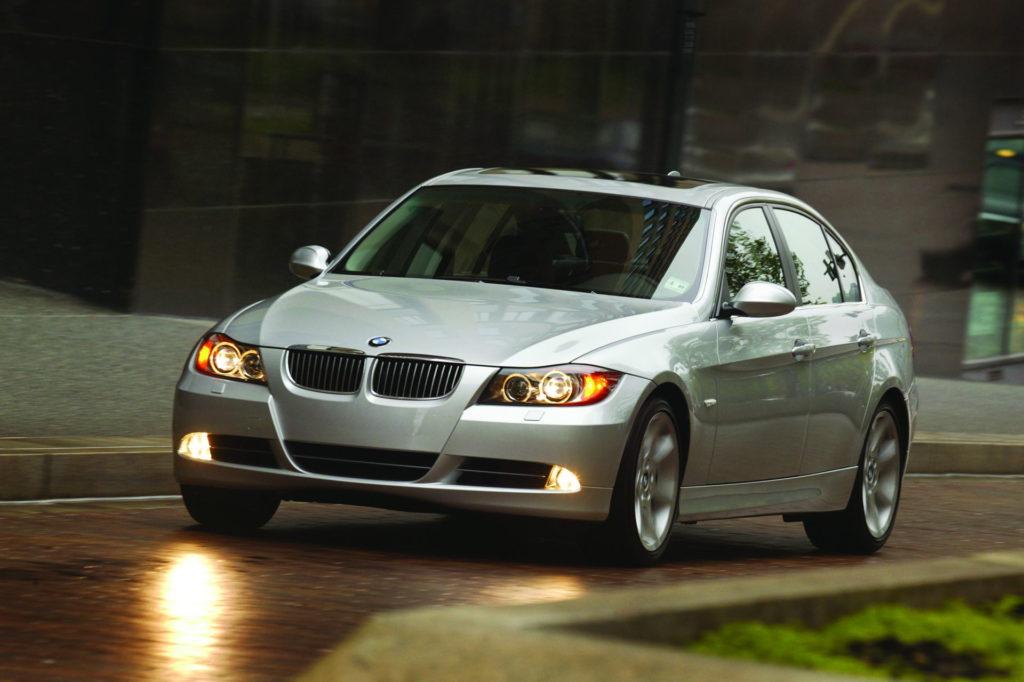 Sélection Voiture de papas pressés à moins de 10000 euros comme cette BMW 330i
