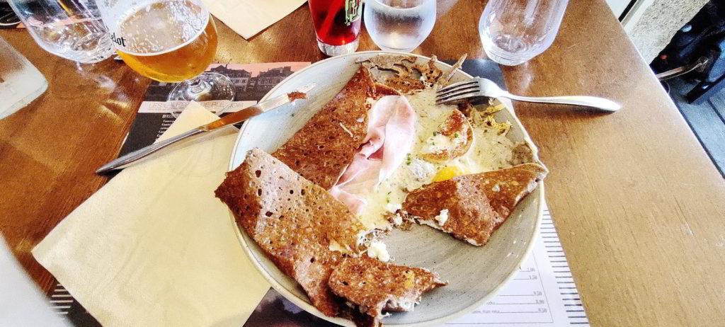 Une crêpe bretonne au restaurant la Touline